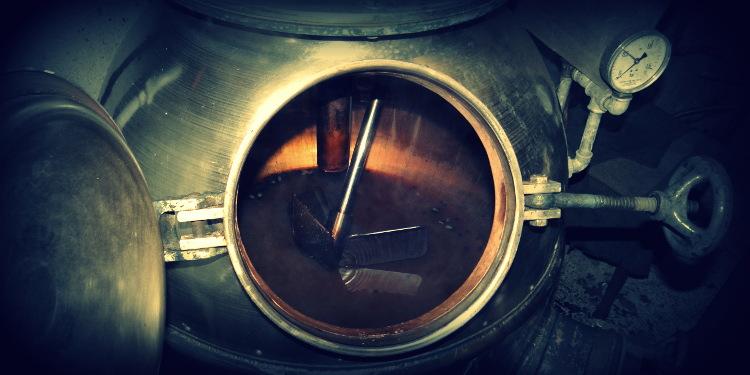 handgemachter Gin aus Deutschland, mit Liebe und Geduld destilliert.