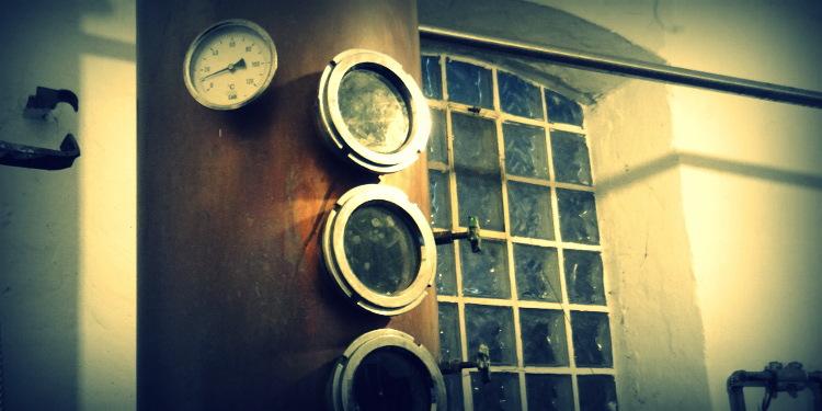 Selbst gebrannter Dry Gin, Brennblase